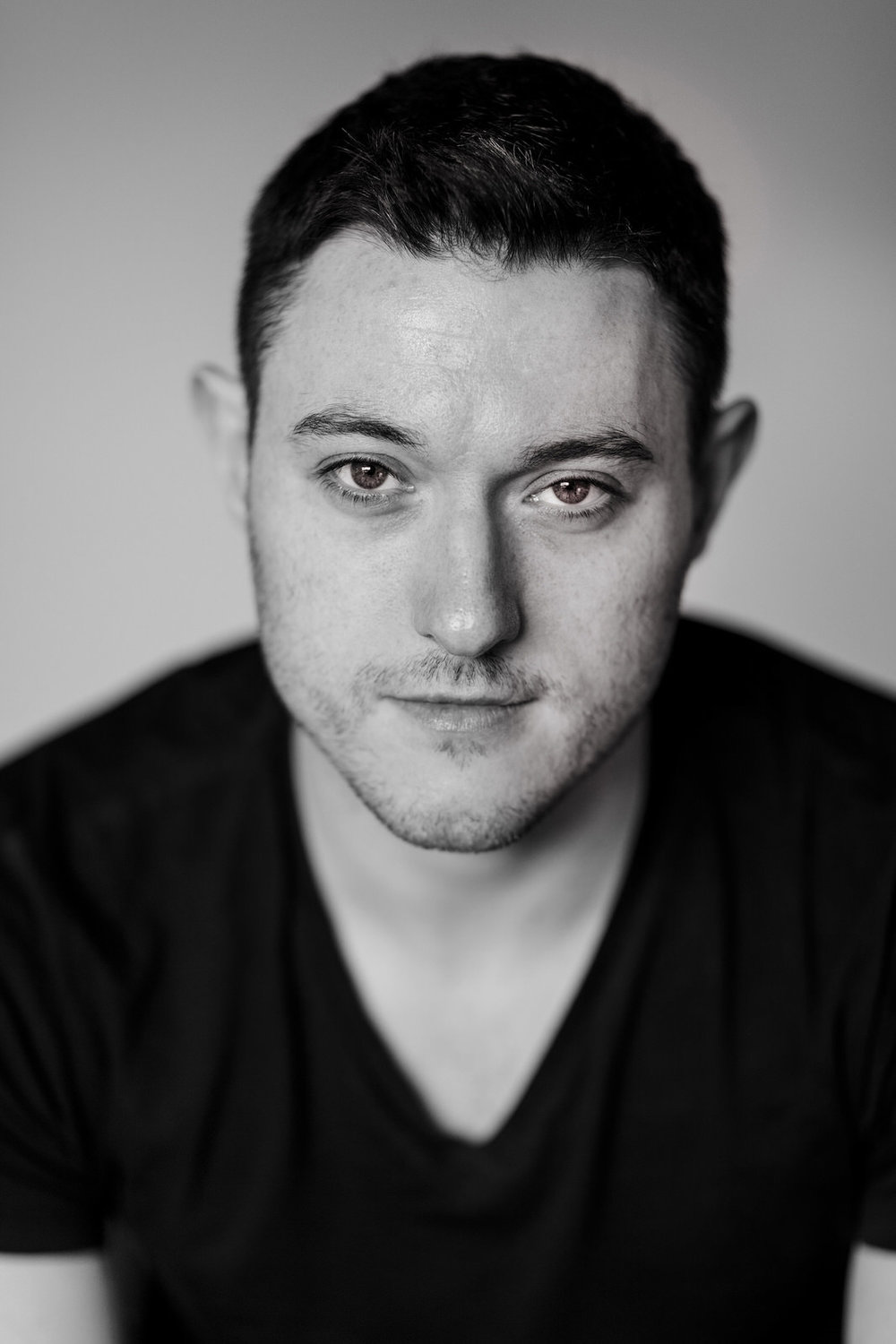 Actor-dancer-musician-headshot-roger-kenny_007.jpg