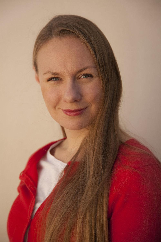 ANNA SHALEVA, BIRTH DOULA