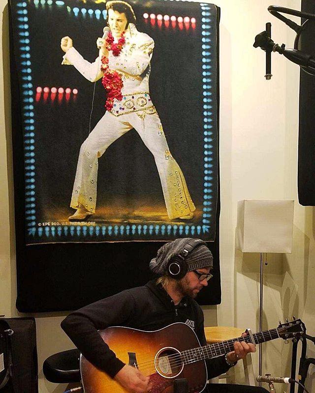 Nice recording some Acoustic guitar w/ the man looking over you!! #brokenthesong #elvispresley #tcb @monica.lewellen @weslittledrums_weslove #recording #newproject @nelvisrosado66 #velvetelvis @taylorguitars #taylorguitars #nashvillemusician #rocknroll