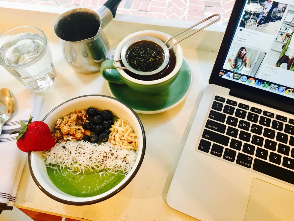 This green smoothie bowl was beautiful and actually made me want to eat greens during my period