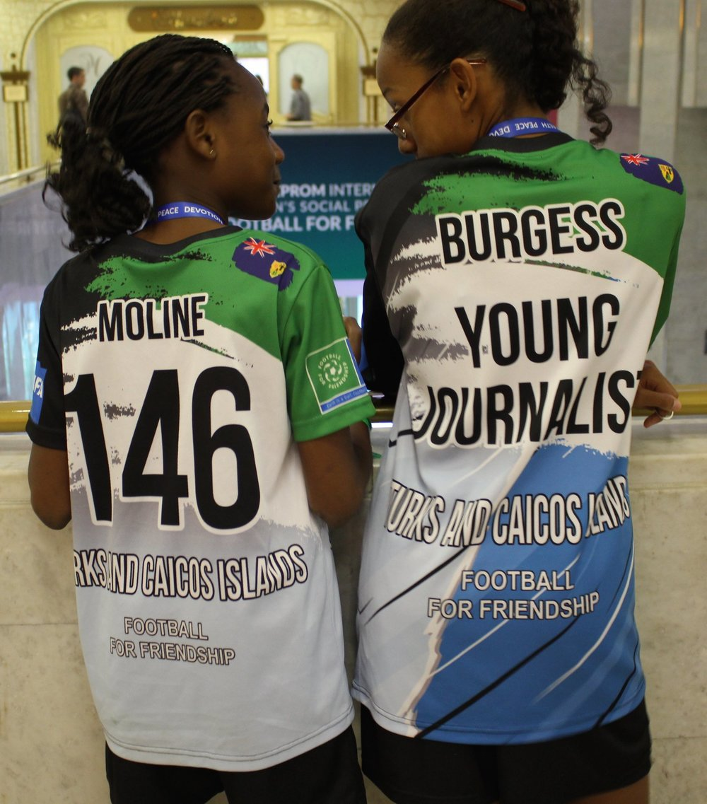 Irener Moline- TCI young player and Thais Burgess- TCI young journalist