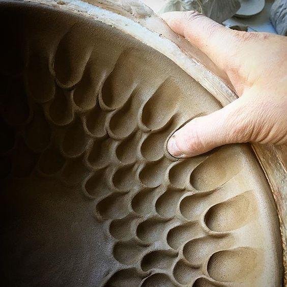 2a48659518783aee41e39b8e38c771e1--pottery-techniques-ceramics-techniques.jpg