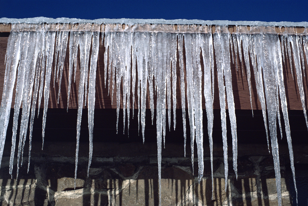7 Questions to Ask Before Hiring an Ice Dam Removal Company ...