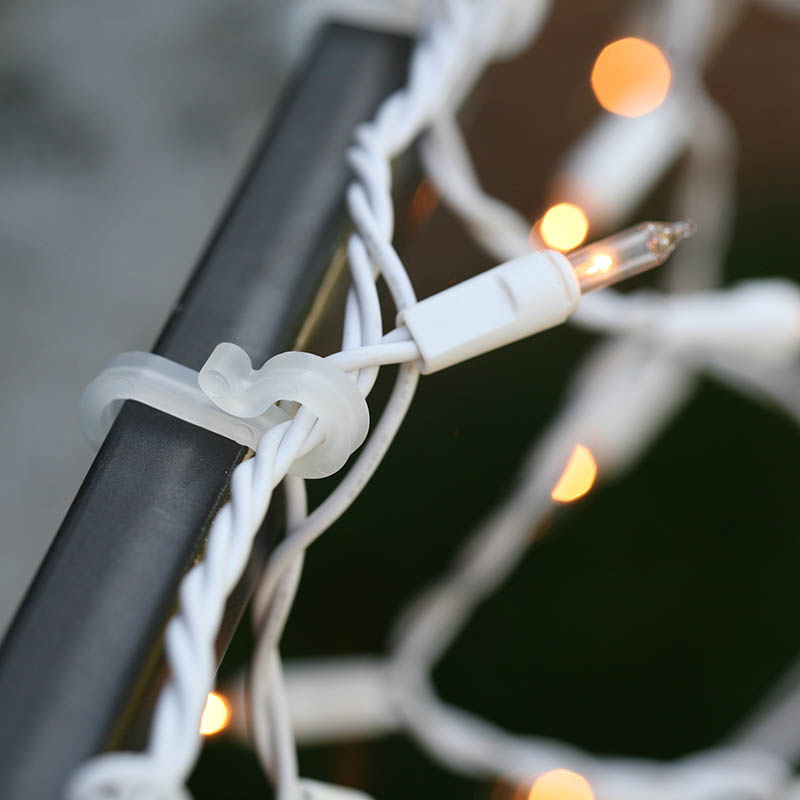 icicle-lights-gutter-clip-8612.jpg