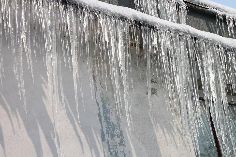 ice dam.jpg