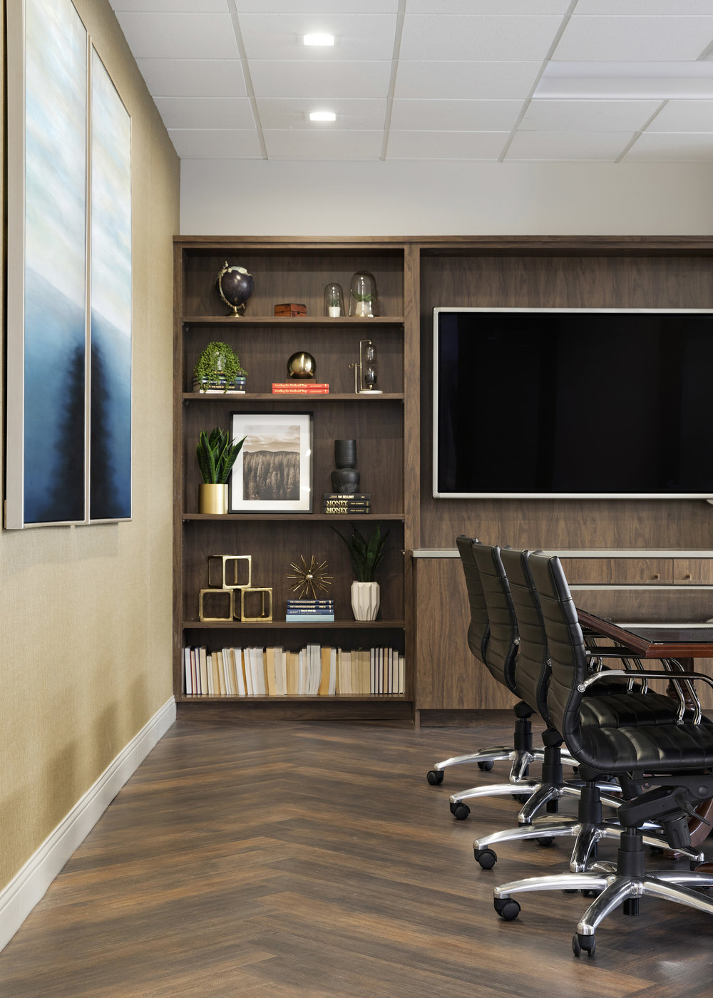 Bookshelf Styling | Vela Creative
