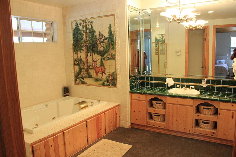 Front Bedroom Bathroom.JPG