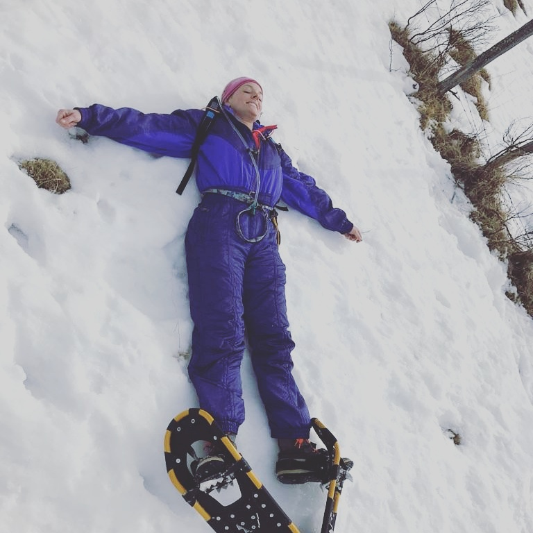 And there I am at about km 7 of 10 on the tour...making a snowshoe angel!