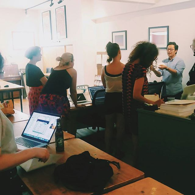 Buncha creative geniuses learning to set up their #zine in #InDesign. Fun #workshop I helped coordinate with @ladyartnation and @rollingpress, with beer from @brooklynbrewery