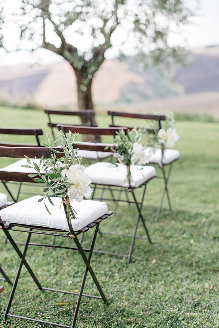 https://www.oncewed.com/real-weddings-blog/elegant-destination-wedding-in-italy/