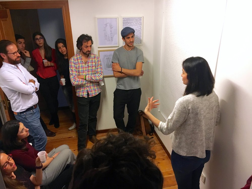 Diálogo durante la inauguración sobre la publicidad, el espacio público y la función de 8x3. Foto:Pedro Gallego de Lerma.