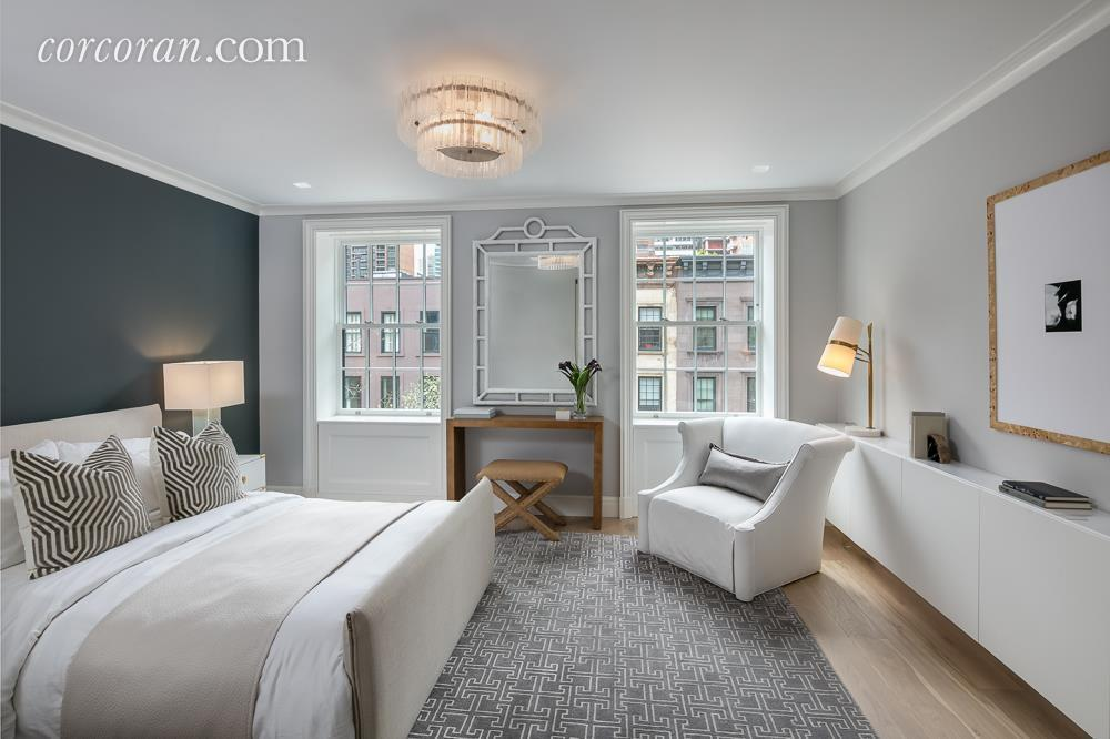 Tour This Upper East Side Townhouse — Off The MRKT
