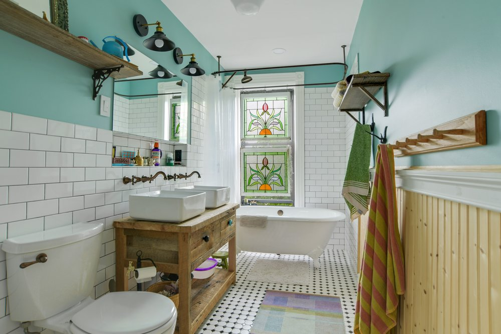 1199 Bergen Street Bathroom.jpg