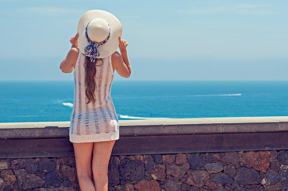 Woman-Summer-Sea-Holiday-Ocean-Young-Woman-2337955.jpg