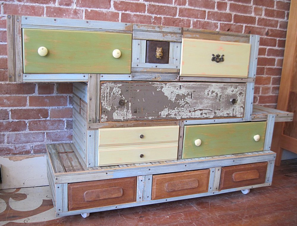 Furniture Monster: Sidestep Drawers