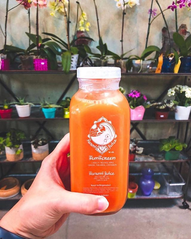 Gotta get that Monday fuel ☀️💪⠀ .⠀ 📍: @swamijuicetampabay⠀ 📷: @keepingupwithkahla