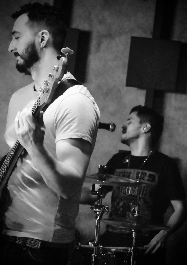 Jamie Pitrelli (Bass) Leo Freire (MD/Drums)