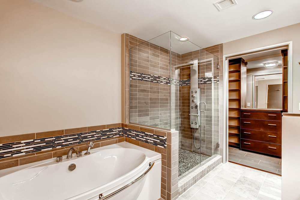 2229 Blake St 701 Denver CO-large-024-Lower Level Master Bathroom-1500x1000-72dpi.jpg