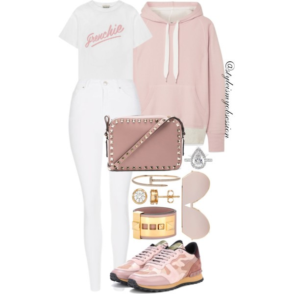 Style Inspiration Pinky Promise Rag & Bone Colorblock Sweatshirt Etre Cecile T-Shirt Valentino Rockstud Sneakers Valentino Rockstud Crossbody Bag.jpg