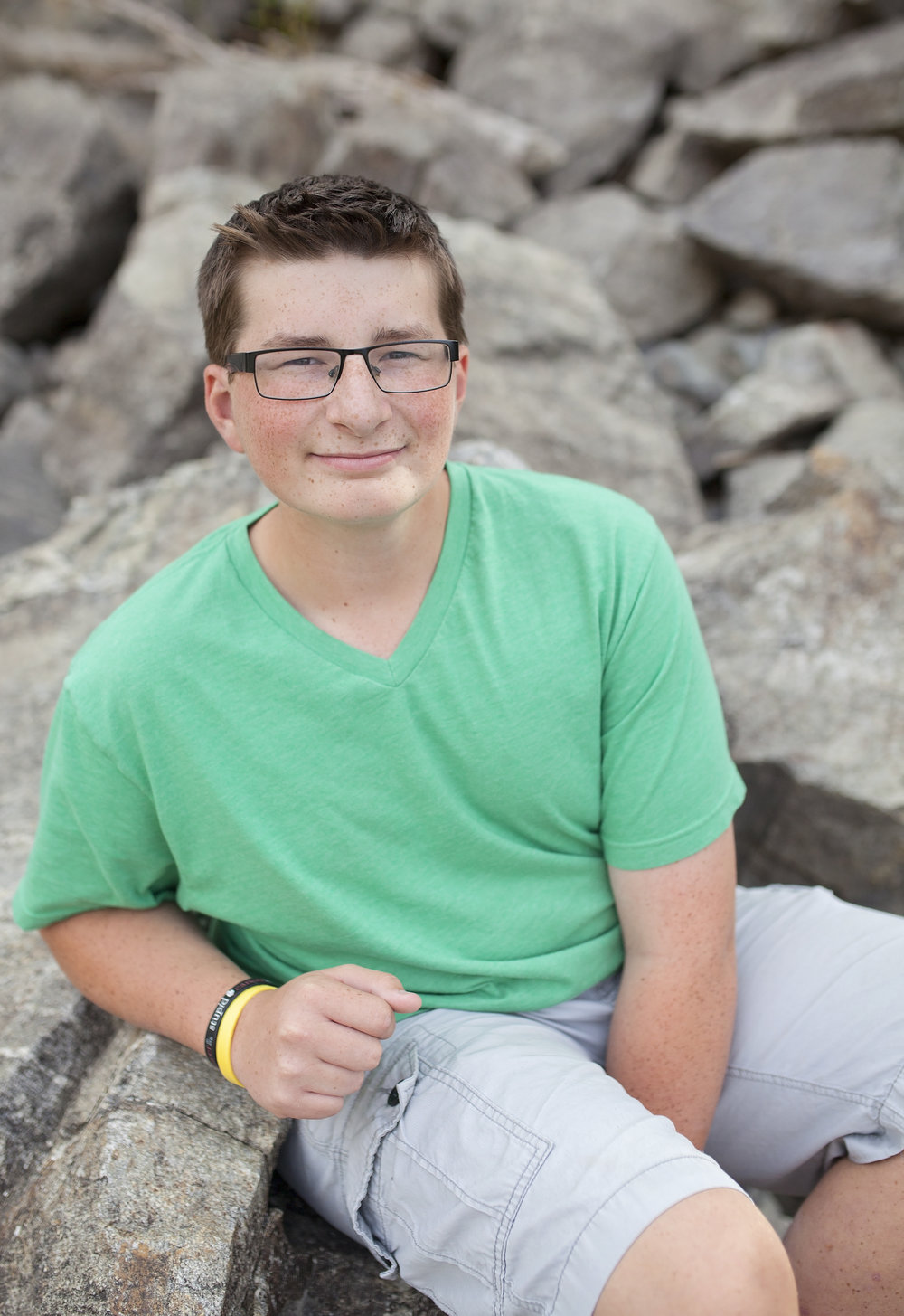 Mac was diagnosed with Ewing's Sarcoma at 12 years old in 2012.  Mac was the first recipient of the Santa Photo Fundraiser. He spent 9 months over at Seattle Children's.  Mac is currently a Junior.
