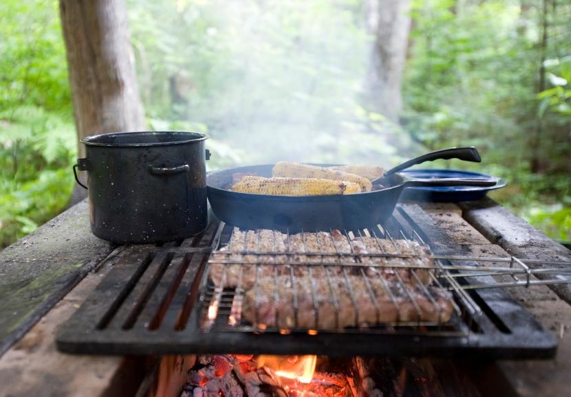 123237-830x578-open_fire_campfire_cooking-1