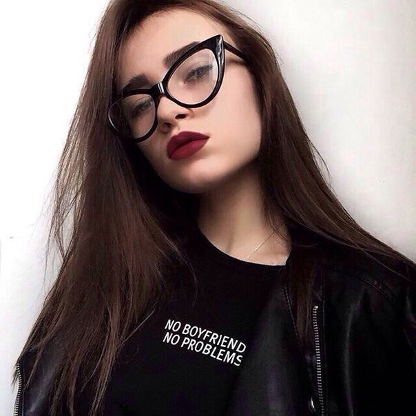 girl-glasses-hair-hairstyle-Favim.com-4107709