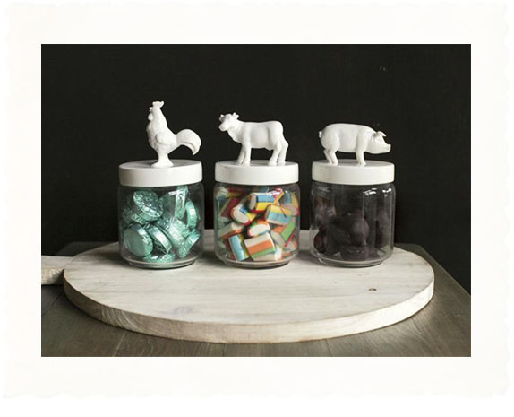 country-kitchen-candy-jars-with-animal-decorB
