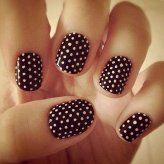 tumblr-cool-easy-nails-polkadots