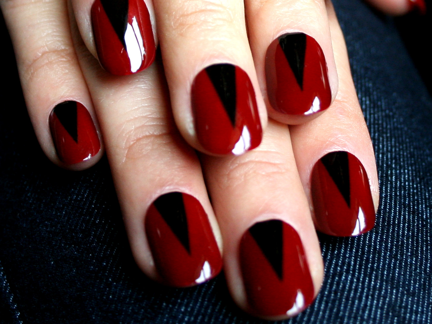 black-and-red-nail-art-tumblr
