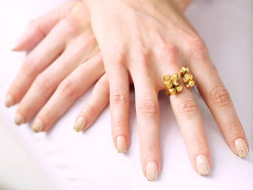 glitter-nails-elle
