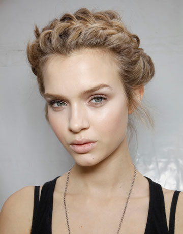 hbz-Sophisticated-Braids-And-Twists-Valentino-hair-trends-ss12-de