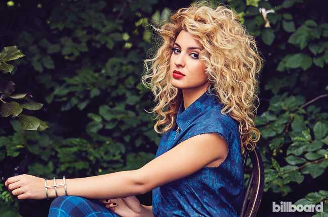 tori-kelly-bb20-2015-billboard-07-650.jpg