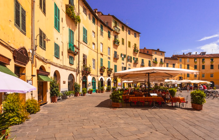 Lucca: One of the best places to visit in Tuscany, Lucca is probably best known for its imposing Renaissance walls and the medieval center that it encloses. Inside the city are many beautiful churches and gardens: The Duomo San Martino, the Pallazzo Pfanner, and the San Michele church.