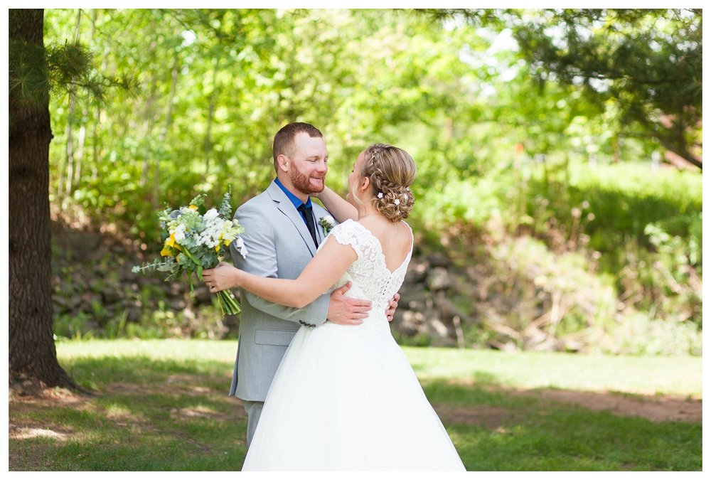 Lyndsay and Jim opted to see each other before the ceremony which left us with plenty of time to do portraits at multiple locations!  My favorite kind of timeline!