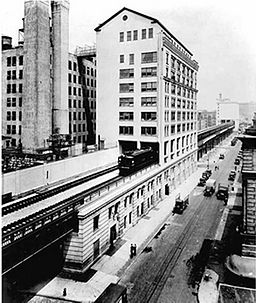 https://upload.wikimedia.org/wikipedia/commons/d/d3/Western_Electric_complex_NYC_1936.jpg