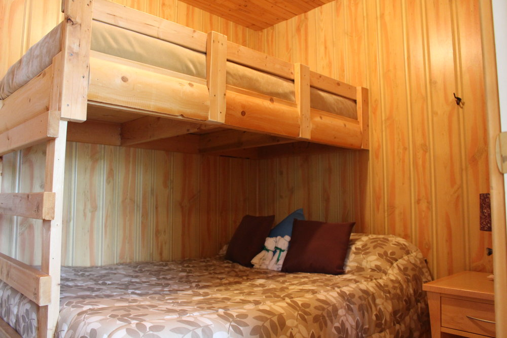 modern-cabin-bunks-wfo-wollaston-lake.jpg