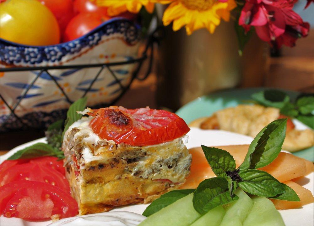 Tomato-Egg Casserole Breakfast