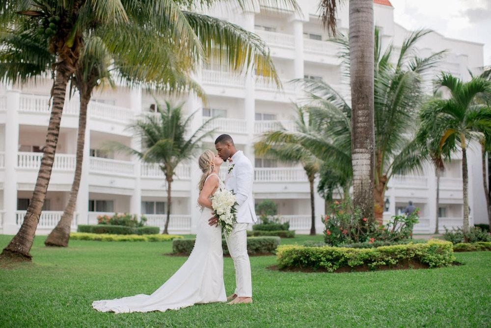 Ashley___Michael___Daniel_Ricci_Weddings_High_Res._Final_0313.jpg