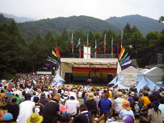 avalon2005stage_small.jpg