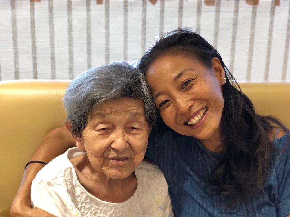 わたしの自慢のおばぁちゃんは、今年97歳!体も心もピンピンの、本当に素晴らしい女性。丹羽家の宝です。わたしはこの方に、呼吸や霊気や生きる哲学など、大切なものをたくさん学んでおります。