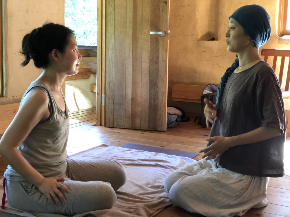 藤田優美子ちゃんは、ブレスワークを子供や地域の人たちにも伝えたいという情熱のある方。アシスタントも経験して「個性を受け入れること、見守ること」の大切さを実感したよう。
