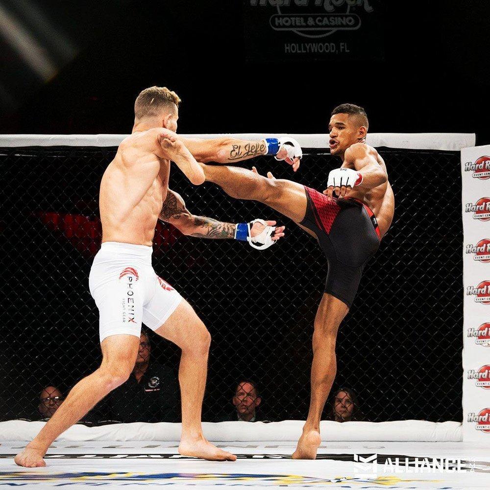 Geraldo Rosa def Angel Corchado via KO in the 1st round