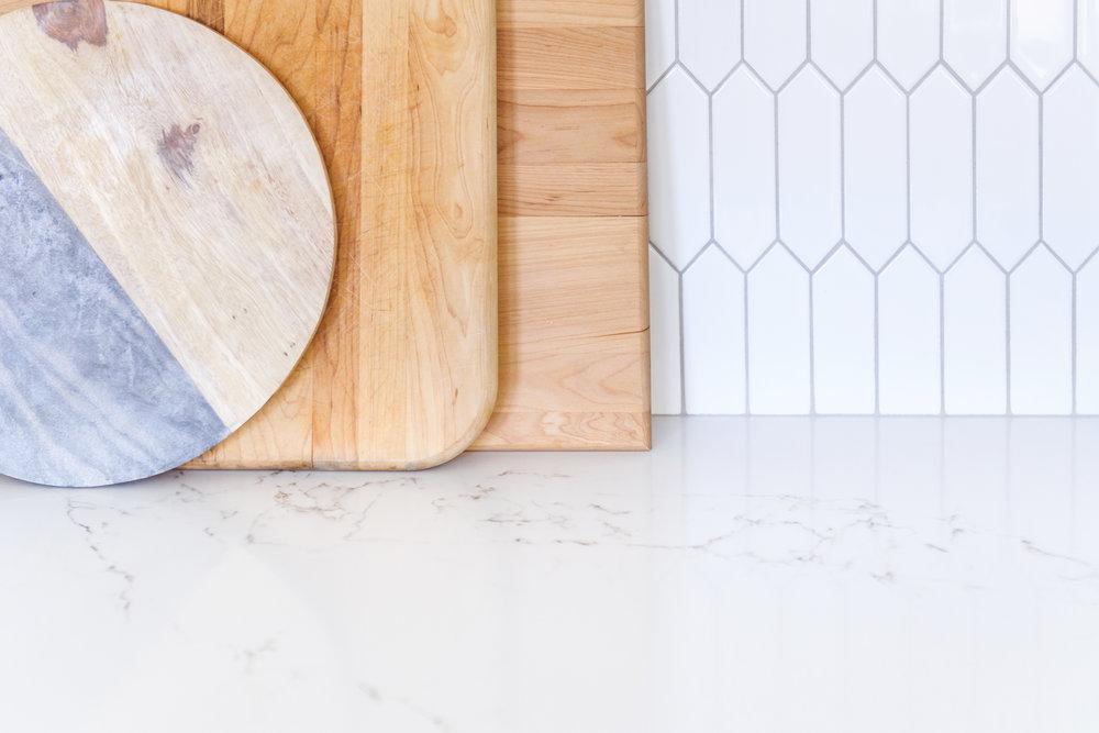 savvy interiors high contrast kitchen