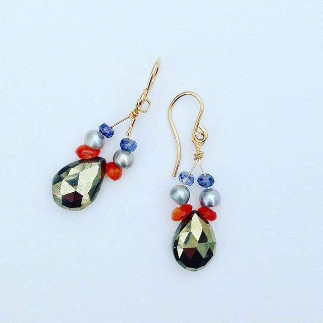 We all can use some sparkle in our lives. Buy yours today! (Only $58) Link In bio👆🏼#alycerossdesigns #earrings #gifts #sparkle #14kgoldfilled #handcrafted #jewelrydesigner #fashion #accessories