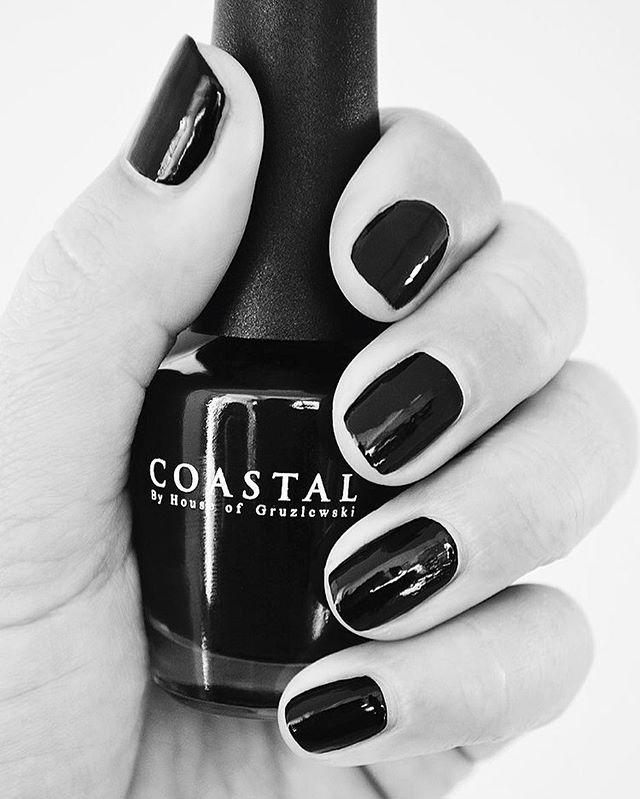 Coastal nail polish colour Fingal Beach // Eco ✖️Easy application ✖️Non toxic ✖️Peel off 🖤 Available via website link in bio! #coastalbyhouseofgruzlewski #fingalbeach #eco #nailpaint
