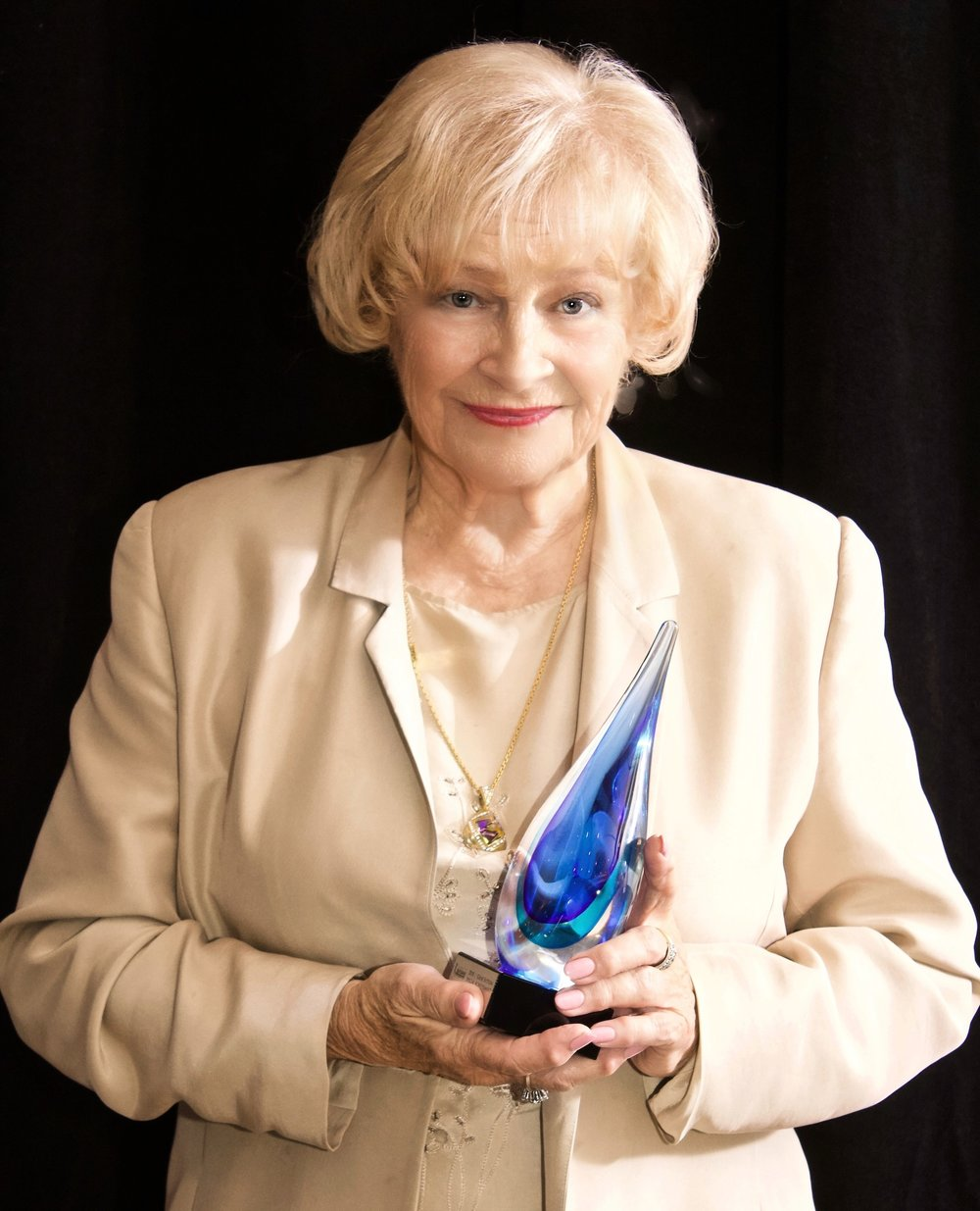 Evelyn with award.jpeg
