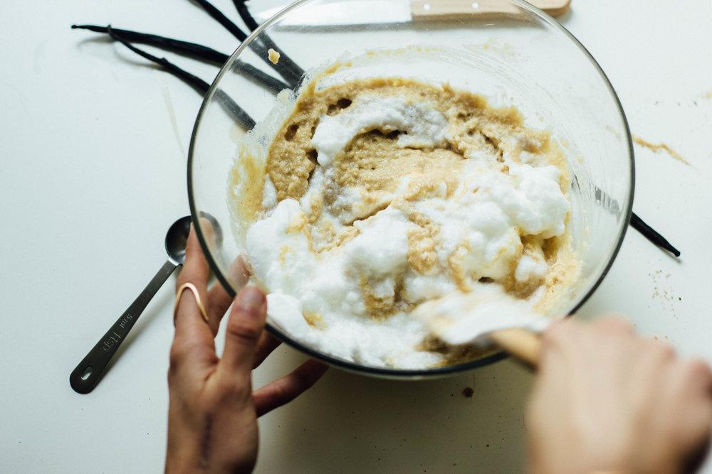 vanilla-bean-almond-cake-5-1.jpg