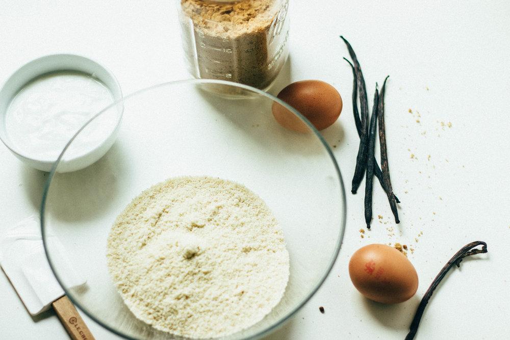 vanilla-bean-almond-cake-8-1.jpg
