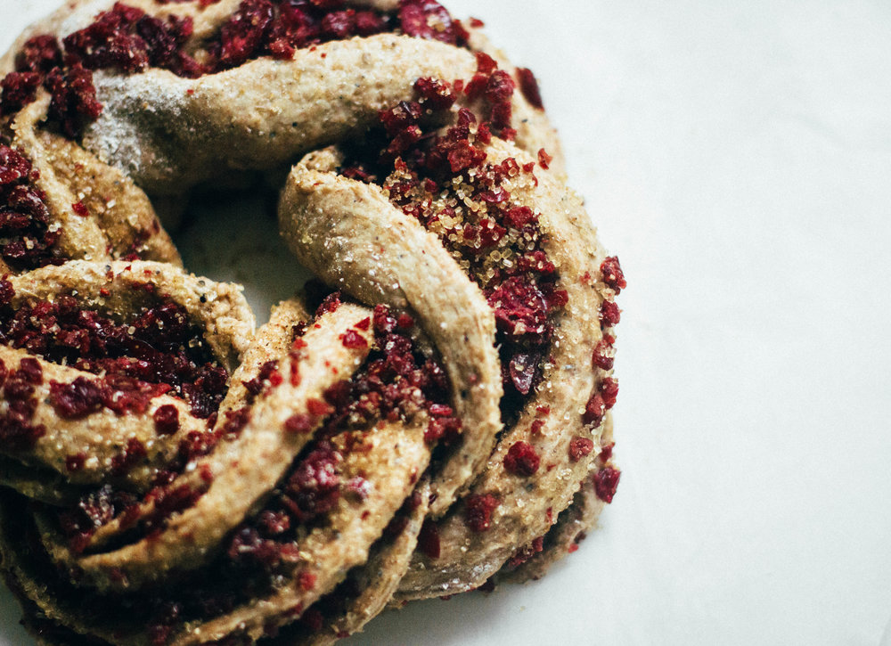 nutmeg and pear | healthy spelt bread wreath w/ cardamom & cranberry (naturally sweetened & dairy free)