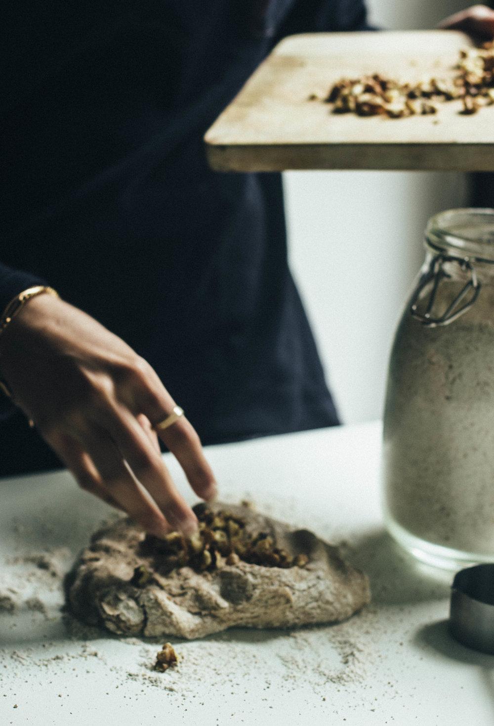 spelt walnut bread 14-1.jpg
